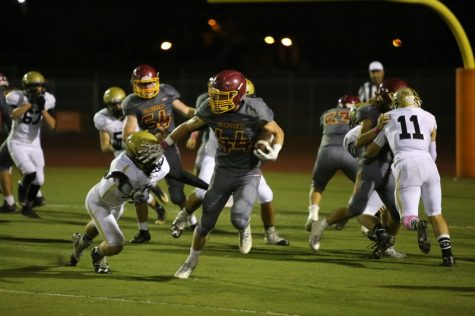 El Modena Opens League With Victory