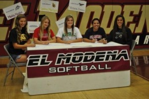 Vanguard Softball Players Sign National Letters of Intent