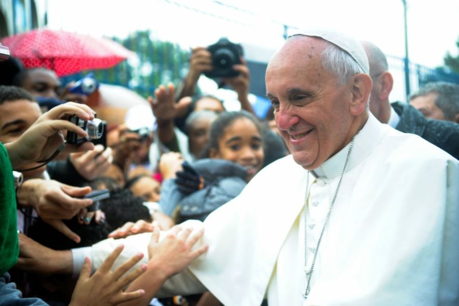 A+Friendly+Fellow%3A+The+pope+welcomes+all%2C+showing+his+love+for+people.