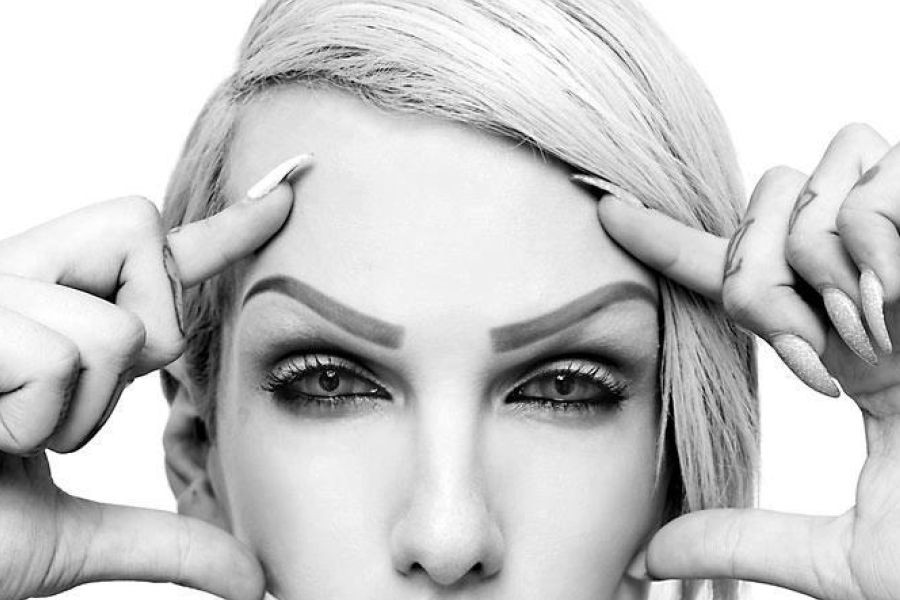 A+close+up+of+makeup+artist+and+singer+Jeffree+Star%27s+eye+makeup