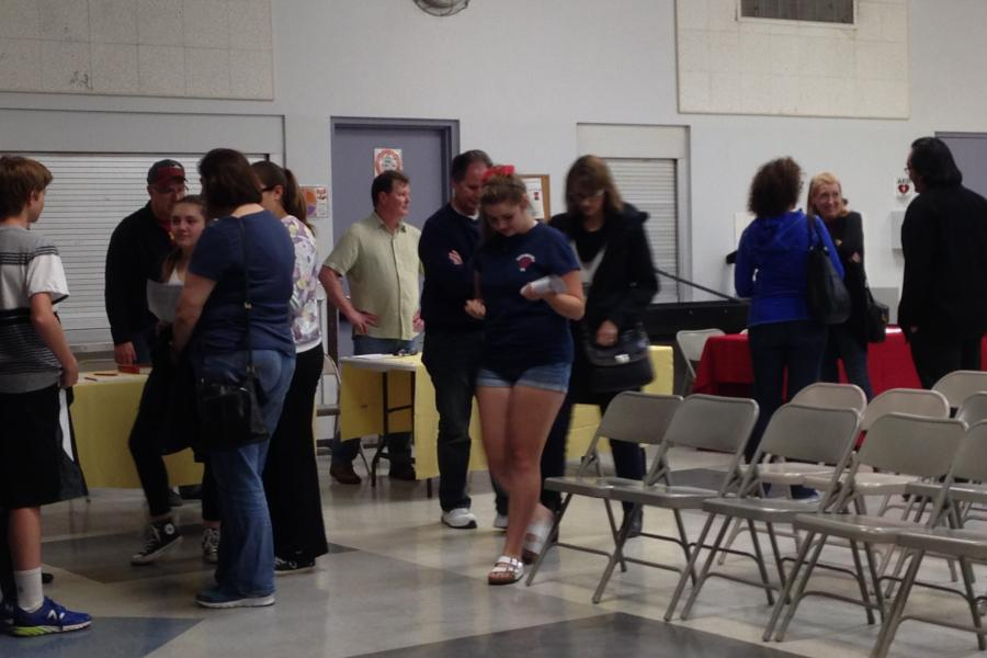 Students and parents ask AP teachers about their curricula