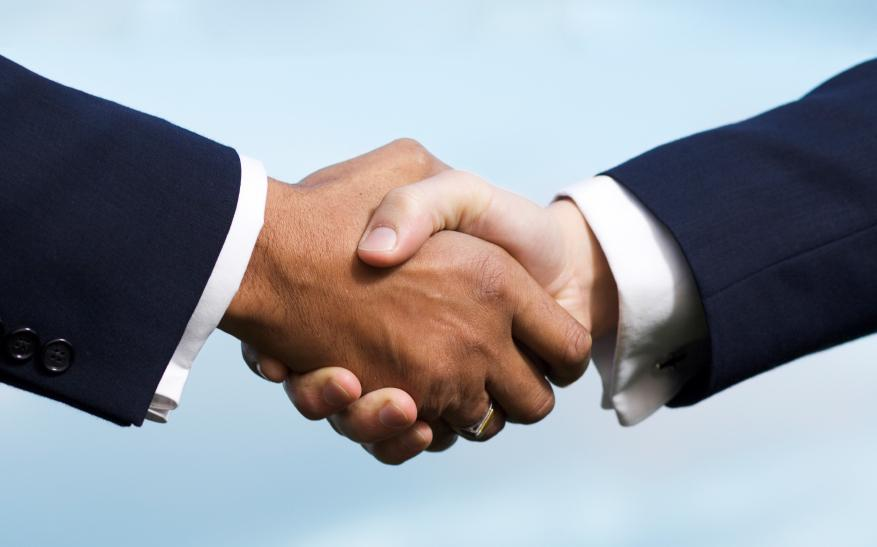The key to every first meeting is a good handshake