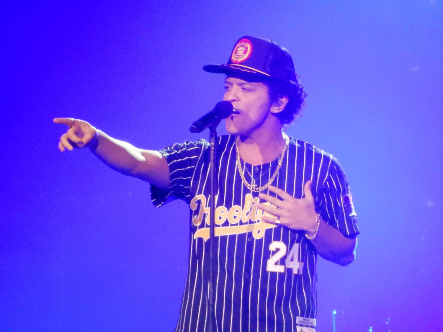 Bruno Mars like during the 24k Magic World Tour (Photo via Wikipedia Commons under the Creative Commons License).