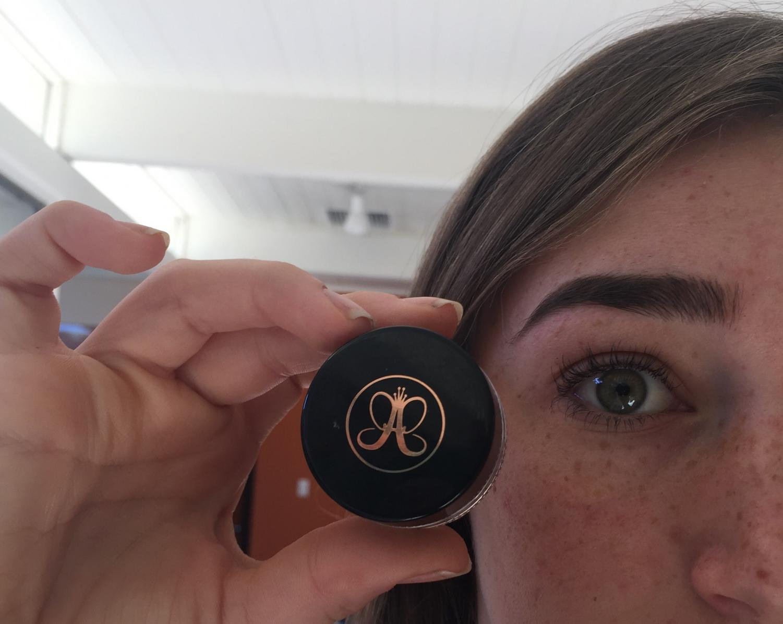The Anastasia Dipbrow Pomade works wonders on the eyebrow